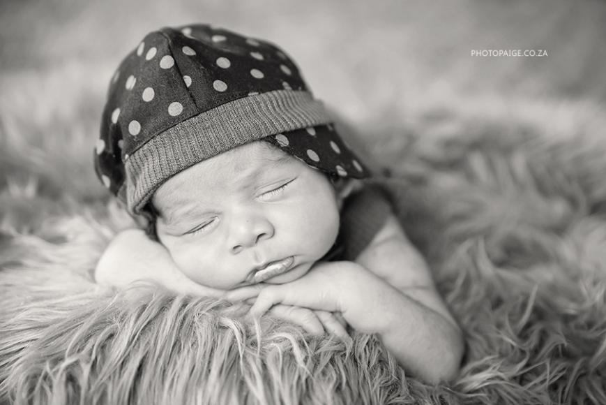 Ethan newborn-54 b&w